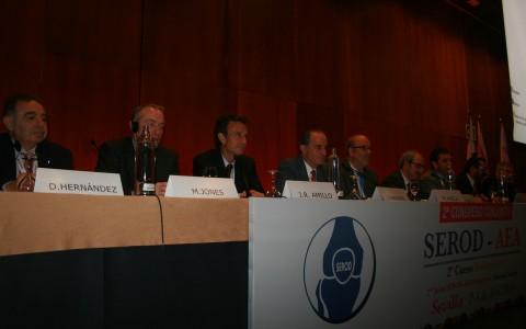 Los Dres muela y montilla con las máximas figuras españolas en cirugía de rodilla. Sevilla 2014.