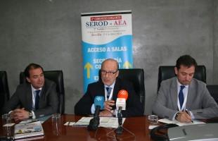 Rueda de prensa de los Dres Muela, Ribera y Montilla en congreso Serod-aea Sevilla 2014.