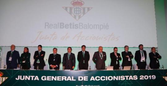 El Dr. Rafael Muela Velasco seguirá coordinando el área médica del Real Betis Balompié